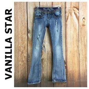 💸DISTRESSED Vanilla Star embroidered jean size 3